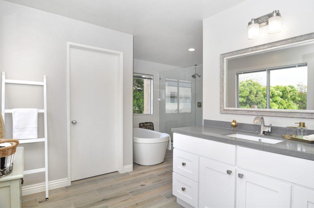Remodeling, bathroom remodel